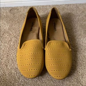 White Mt. Mustard Loafers NWOT